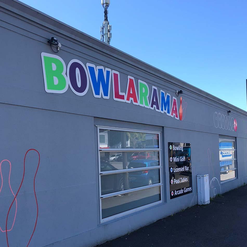 outside bowlarama new plymouth